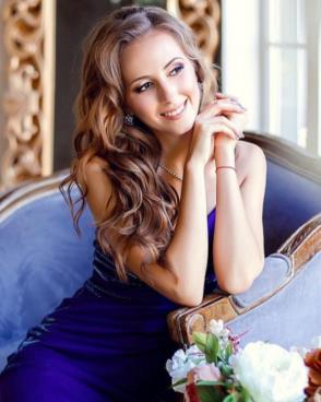 Beautiful women seek men for dating, romance, travel