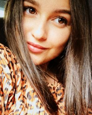 Young teenage Russian girls seeking men for love and dating