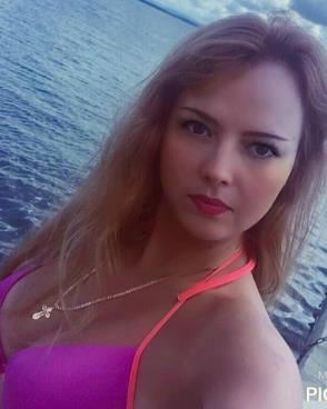 Beautiful blonde women from Russia seeking love, romance, dating, relationships