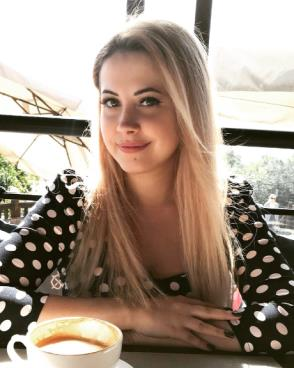 Date gorgeous blonde women from Russia