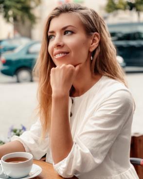 Beautiful women seek men for dating, romance, travel
